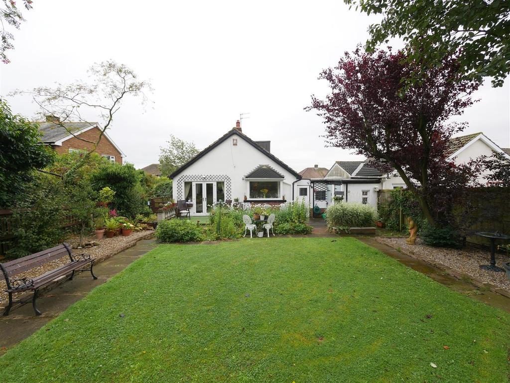 2 Bedrooms Detached Bungalow for sale in Charter Drive, East Herrington, Sunderland