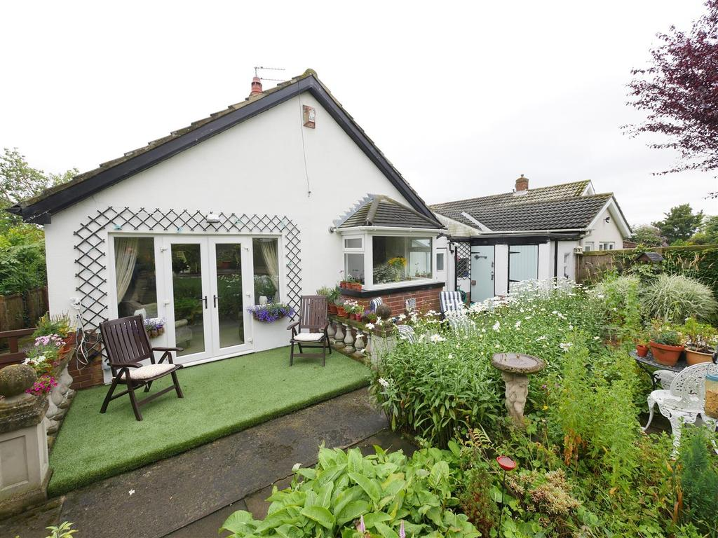 2 Bedrooms Detached Bungalow for sale in Charter Drive, East Herrington, Sunderland