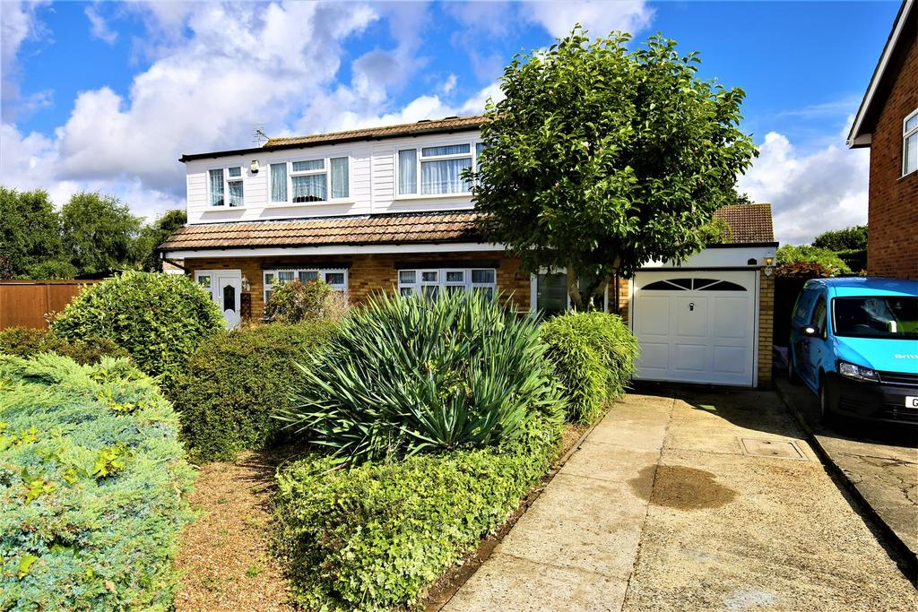 3 Bedrooms Semi Detached House for sale in Leigh Avenue, Maidstone