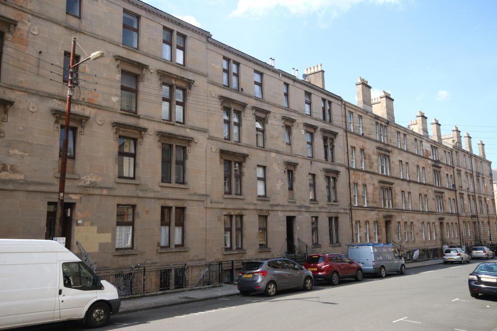 2 Bedrooms Flat for sale in 2/3 ,45 West End Park Street, Woodlands, Glasgow, G3 6LJ