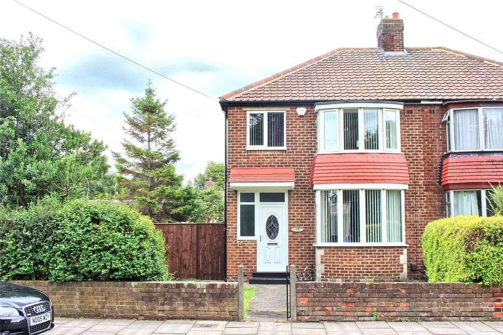 3 Bedrooms Semi Detached House for sale in Farndale Road, Longlands