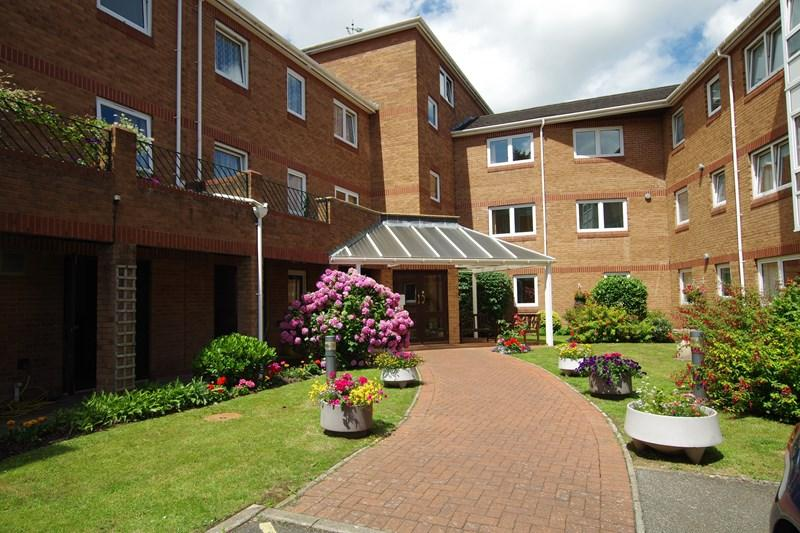 1 Bedroom Retirement Property for sale in Church Road, Newton Abbot