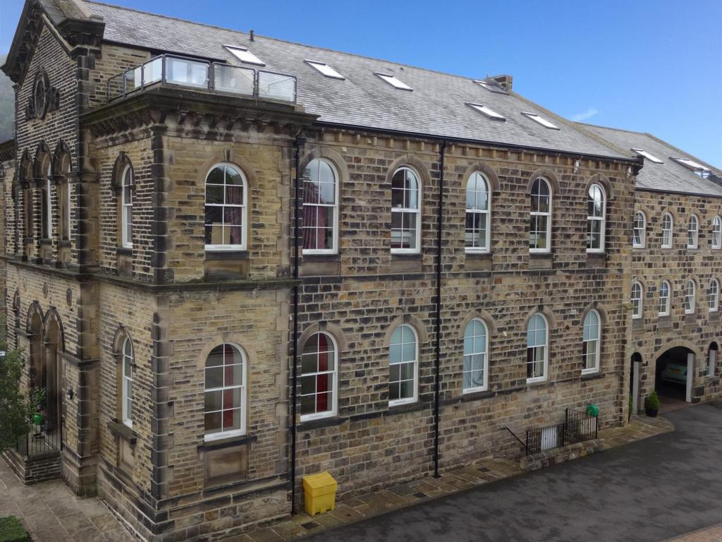 3 Bedrooms Duplex Flat for sale in The Old Chapel, Station Road, Otley