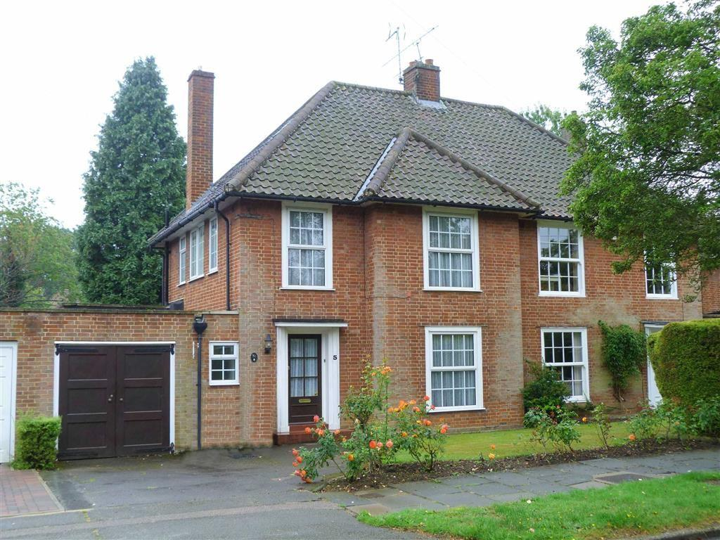 3 Bedrooms Semi Detached House for sale in Fearnley Road, West Side, Welwyn Garden City