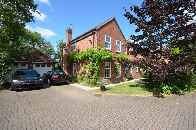 4 Bedrooms Detached House for sale in Pikes Bridge Fold, Eccleston, St. Helens