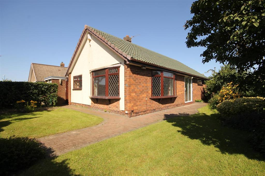 2 Bedrooms Detached Bungalow for sale in Westerdale Road, Seaton Carew, Hartlepool