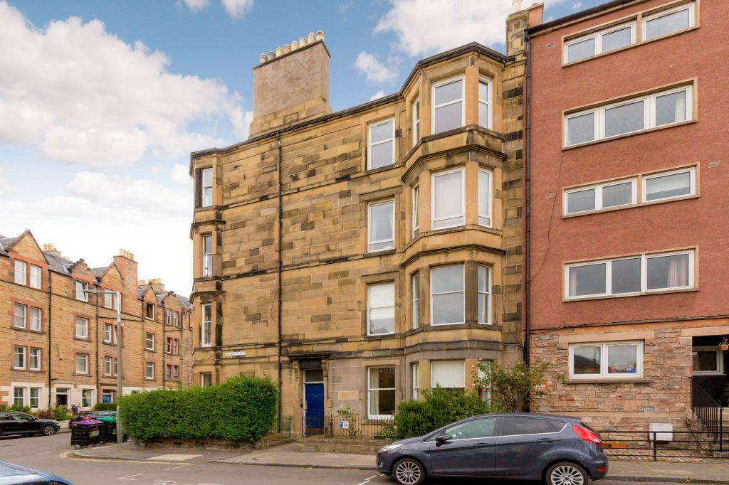 2 Bedrooms Ground Flat for sale in 27 (PF3) Harden Place, Edinburgh, EH11 1JD