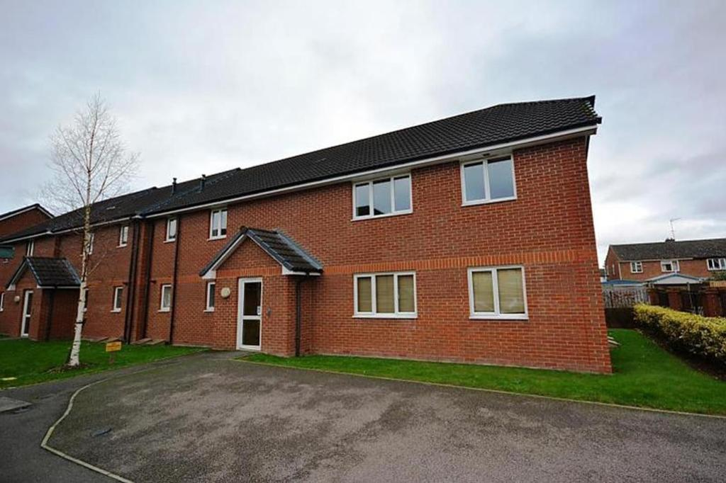 1 Bedroom Apartment Flat for sale in Chiltern Close, Chelmsford, Essex, CM1
