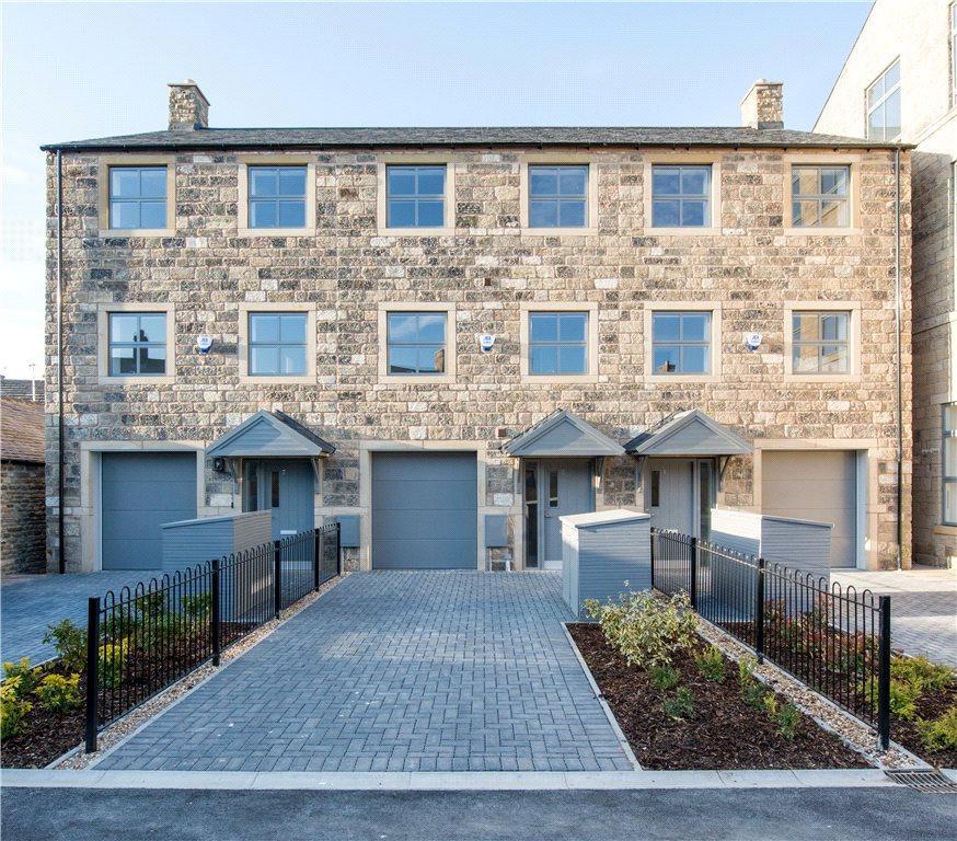 3 Bedrooms End Of Terrace House for sale in Harwell Waterside, Elliot Street, Silsden, Keighley, West Yorkshire