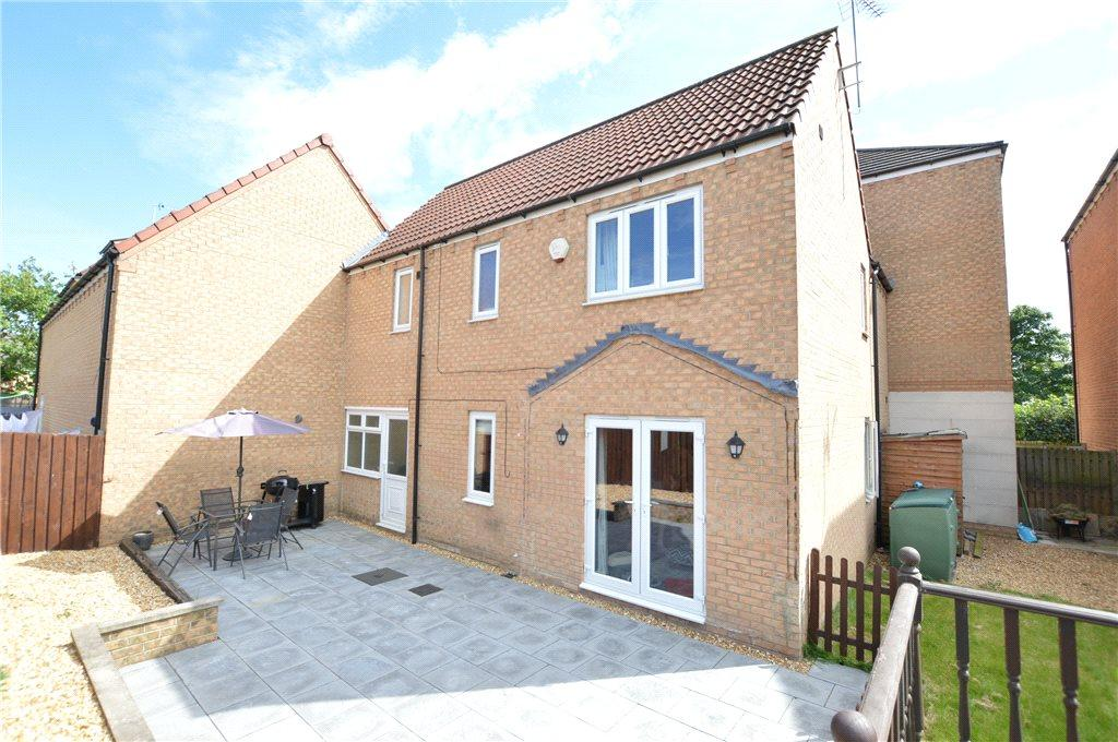 4 Bedrooms Link Detached House for sale in Scholars Gate, Garforth, Leeds, West Yorkshire