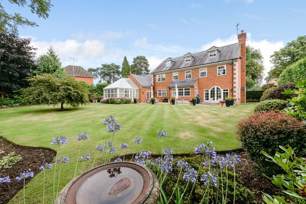 5 Bedrooms Detached House for sale in Abbey Road, Wentworth, Virginia Water