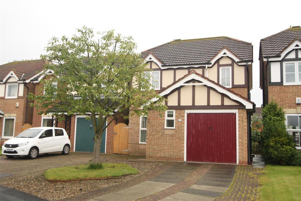 3 Bedrooms Detached House for sale in Heathfield Park, Middleton St. George, Darlington