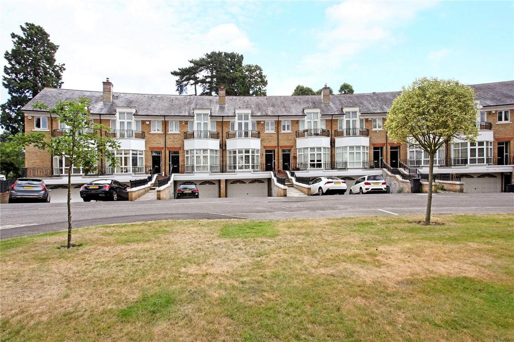 5 Bedrooms Terraced House for sale in St Davids Drive, Englefield Green, Egham, Surrey, TW20