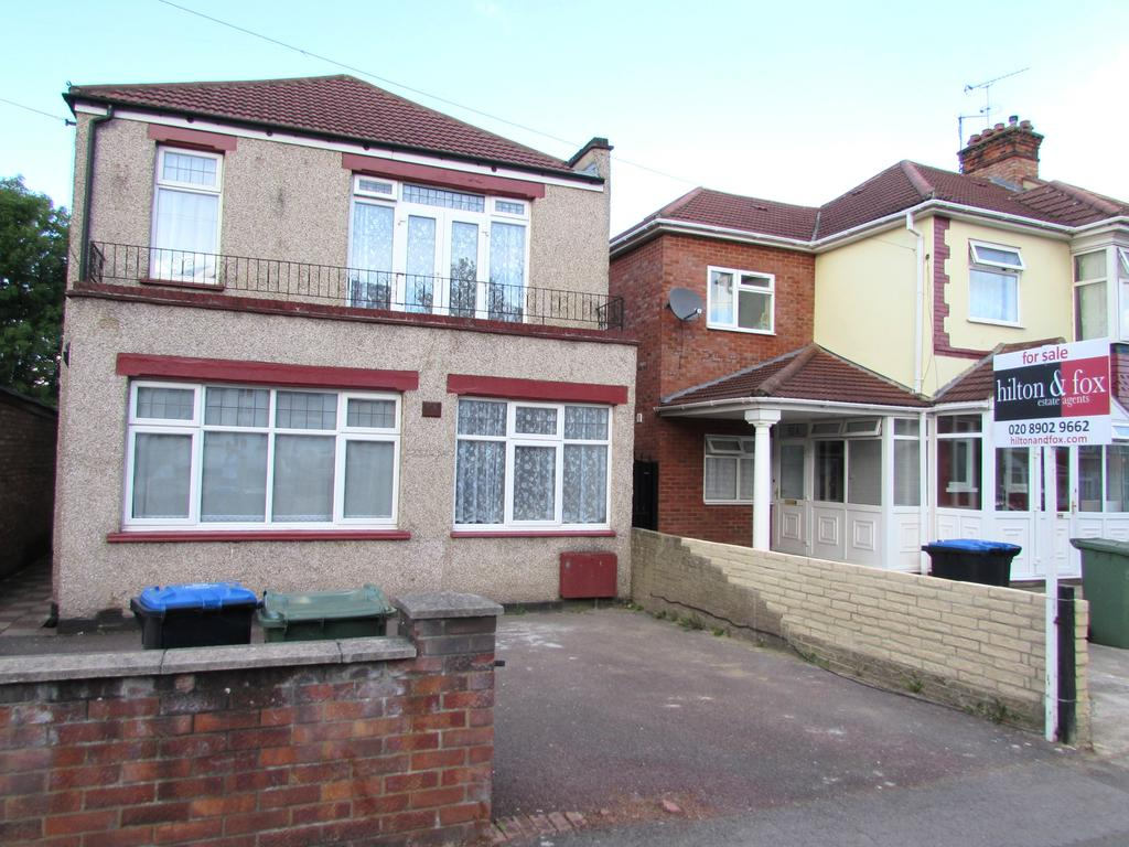 4 Bedrooms Detached House for sale in Bowrons Avenue, Wembley HA0