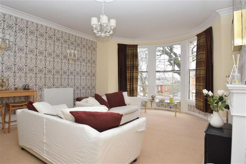 1 Bedroom Flat for sale in Crown Terrace, Scarborough, North Yorkshire, YO11