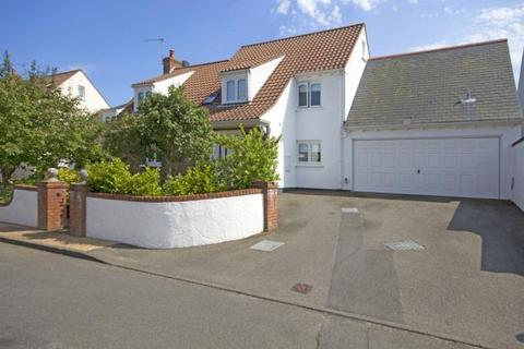 4 bedroom detached house to rent - 5 Rue De La Ree, La Grande Rue, St Saviour's