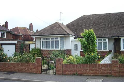 3 bedroom bungalow to rent - East Worthing