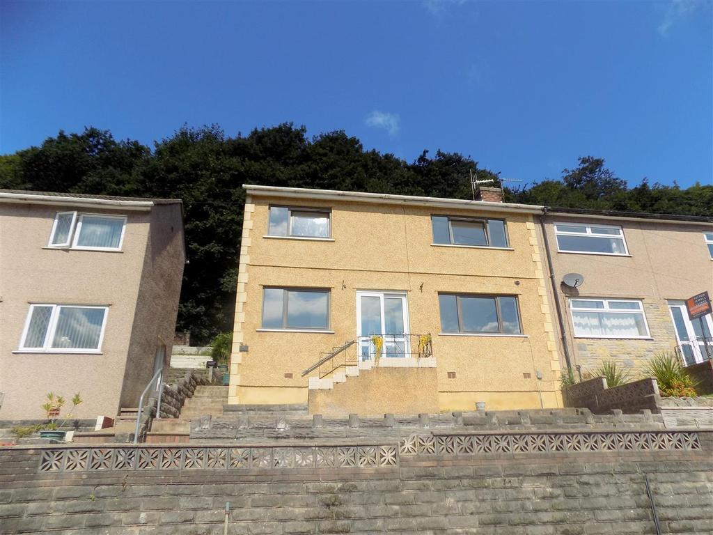 3 Bedrooms Semi Detached House for sale in Shelone Road, Neath