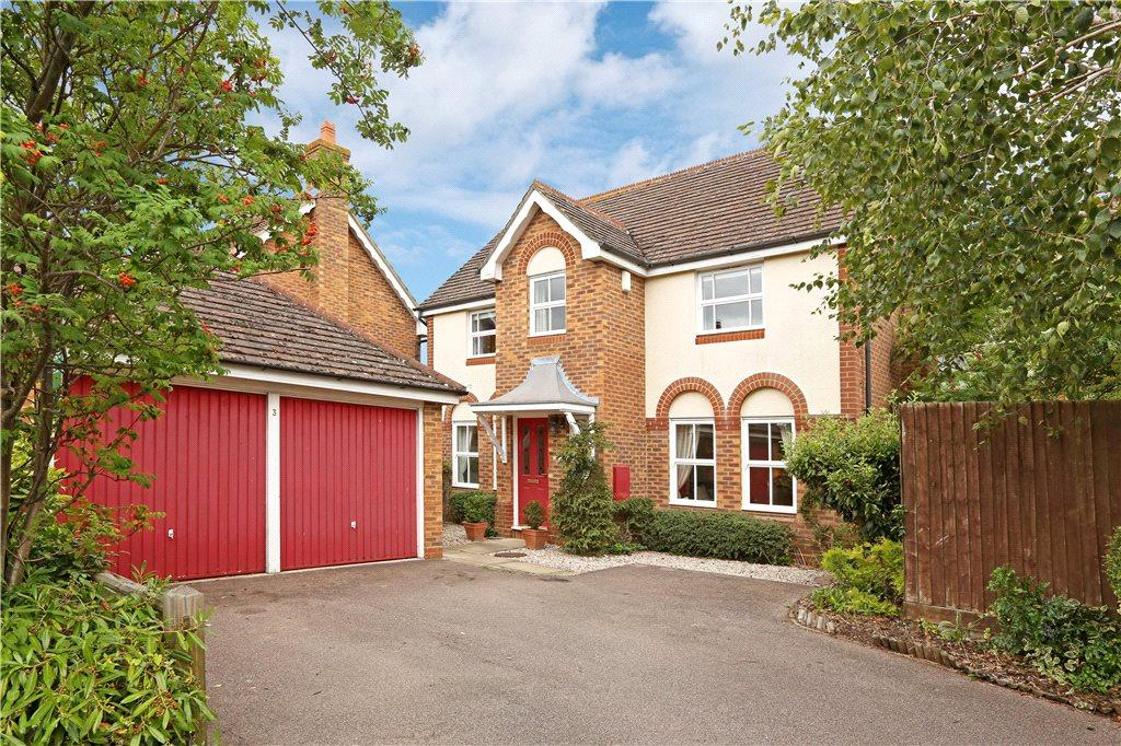4 Bedrooms Detached House for sale in Swan Close, Watermead, Aylesbury, Buckinghamshire