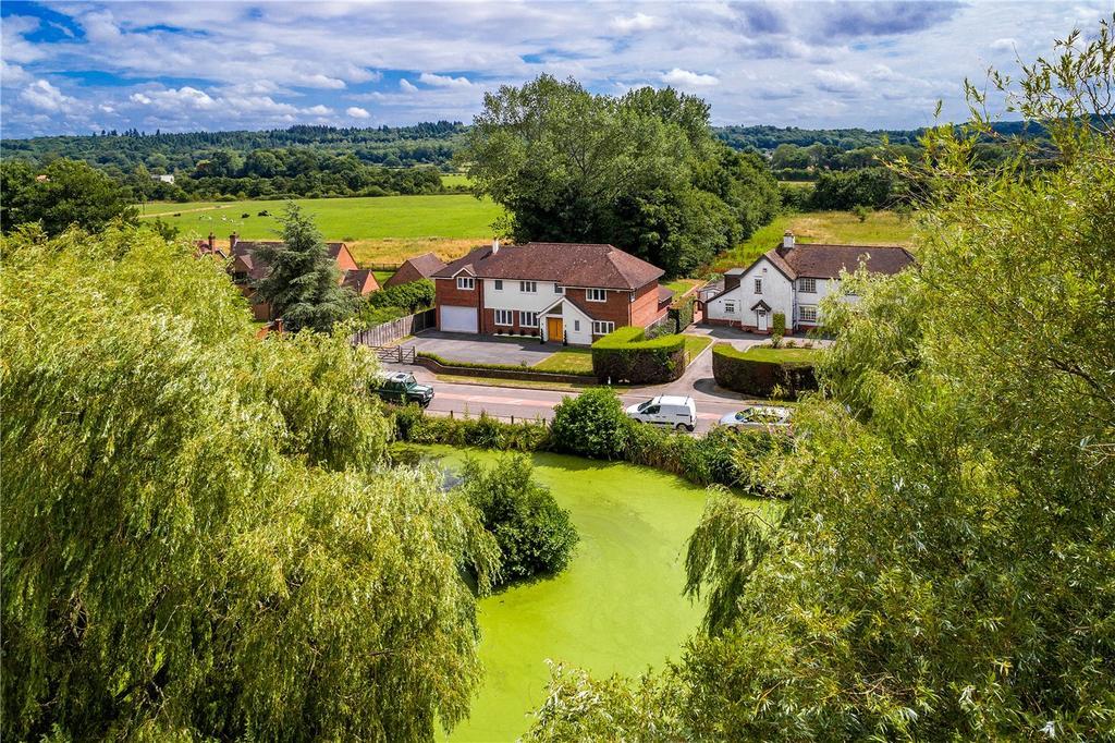 5 Bedrooms Detached House for sale in Bentley, Farnham, Surrey, GU10