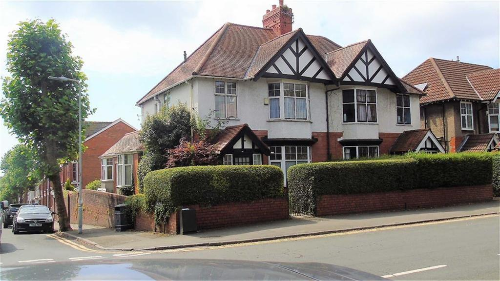 4 Bedrooms Semi Detached House for sale in Sketty Road, Swansea, SA2