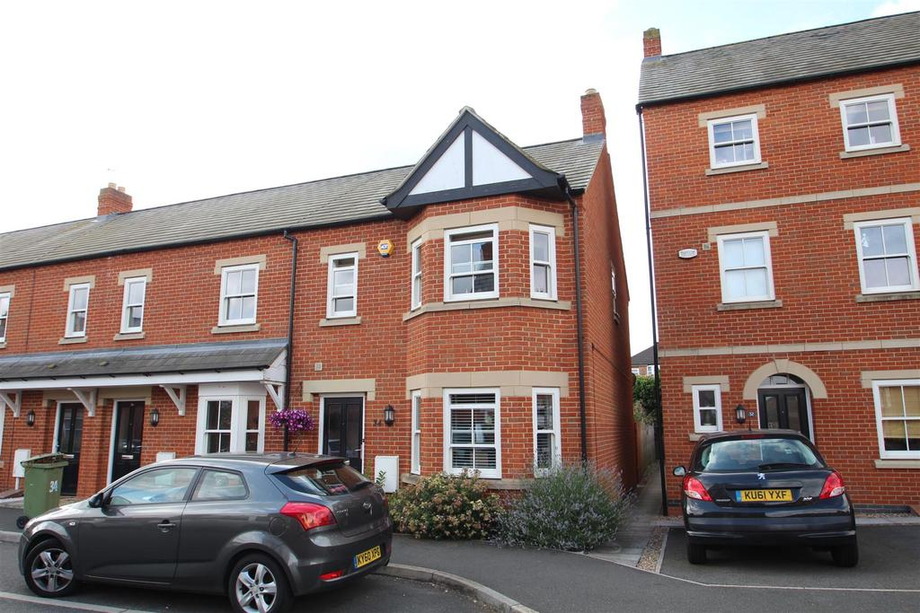 3 Bedrooms End Of Terrace House for sale in Barr Piece, Wolverton, Milton Keynes