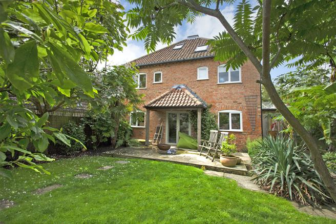 4 Bedrooms Detached House for sale in 3 Malthouse Court, East Bridgford, Nottinghamshire NG13 8PY