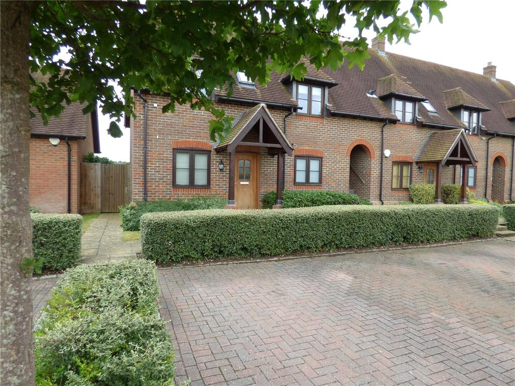 2 Bedrooms Flat for sale in Summer Close, Byfleet, West Byfleet, Surrey, KT14
