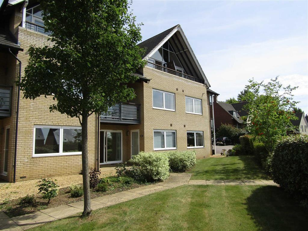 2 Bedrooms Flat for sale in Nursery Hill, Hitchin, SG4