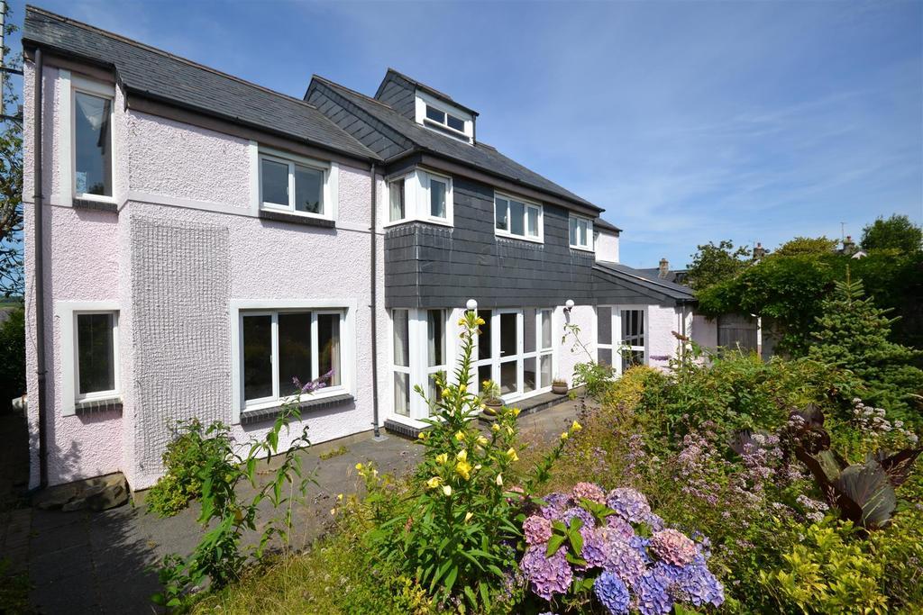 4 Bedrooms Detached House for sale in Upper Bridge Street, Newport