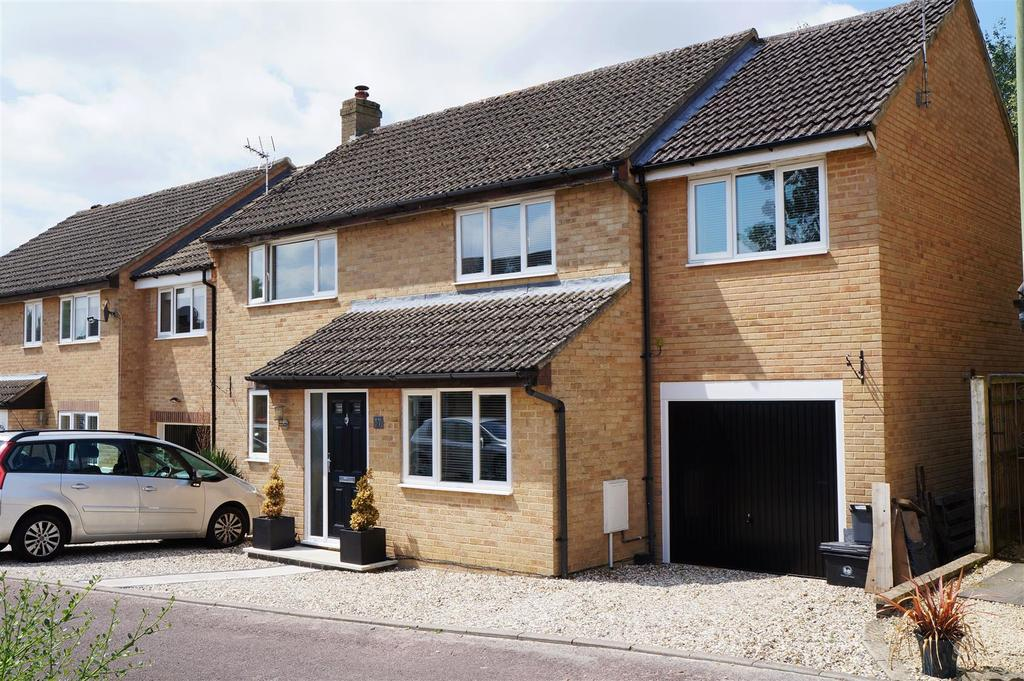 5 Bedrooms Detached House for sale in Thorney Leys, Witney