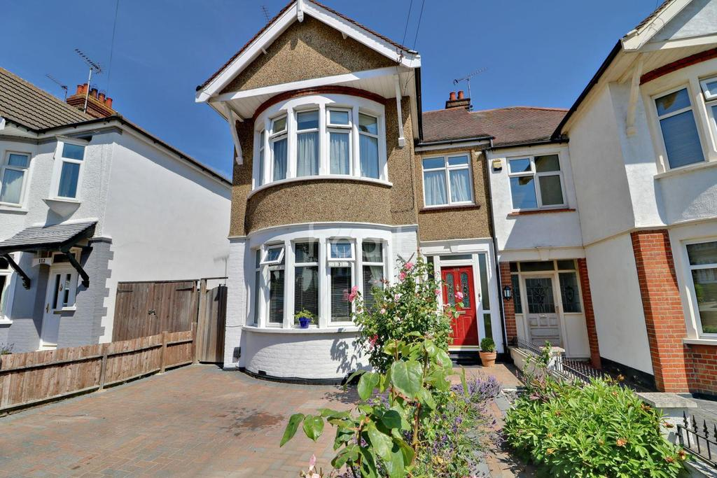 2 Bedrooms Flat for sale in Kensington Road, Southchurch