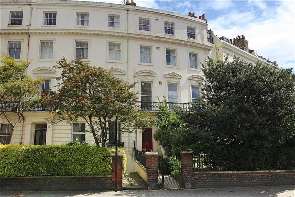 2 Bedrooms Apartment Flat for sale in Montpelier Crescent, Btn, East Sussex