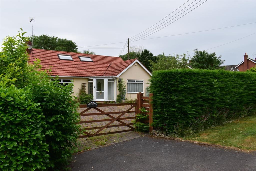 3 Bedrooms Detached Bungalow for sale in Haye Lane, Mappleborough Green, Studley