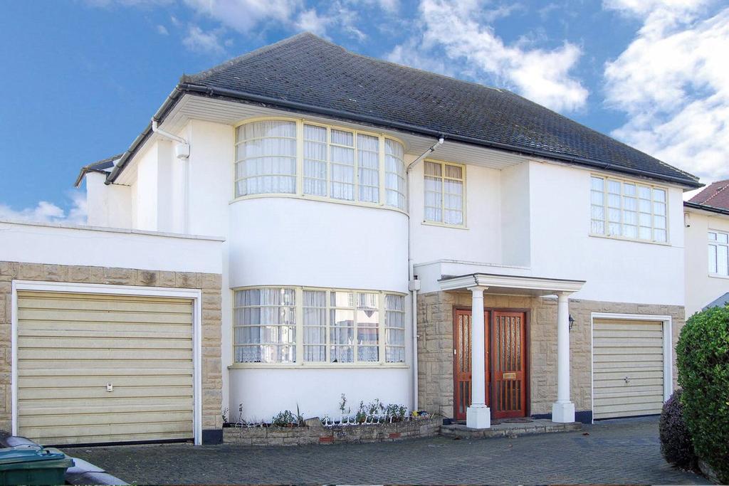 5 Bedrooms Detached House for sale in Penshurst Gardens, Edgware, HA8