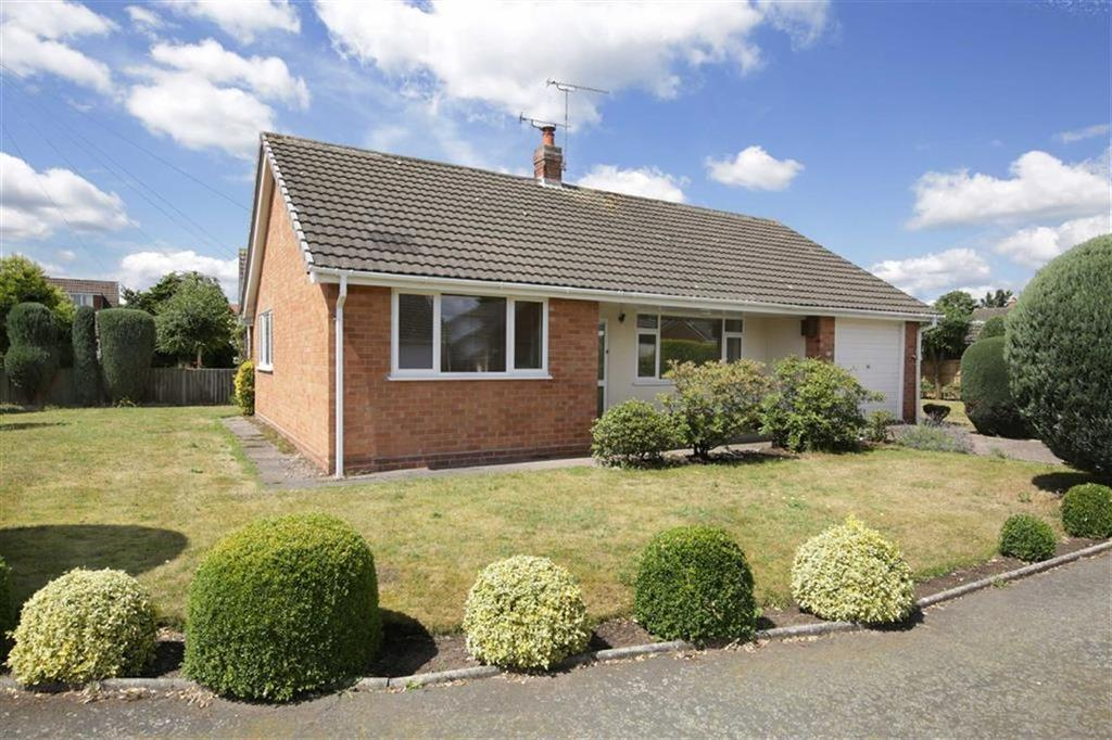 2 Bedrooms Detached Bungalow for sale in Oak Bank Close, Nantwich, Cheshire