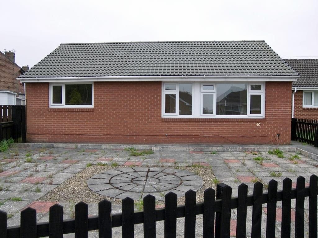 2 Bedrooms Detached Bungalow for sale in Eleventh Avenue, Morpeth