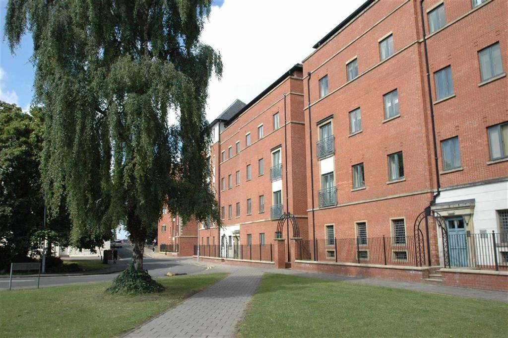 2 Bedrooms Apartment Flat for sale in Winchester House, The Square, Chester