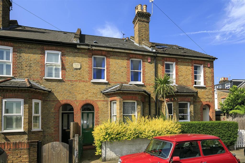 4 Bedrooms Terraced House for sale in Walpole Crescent, Teddington