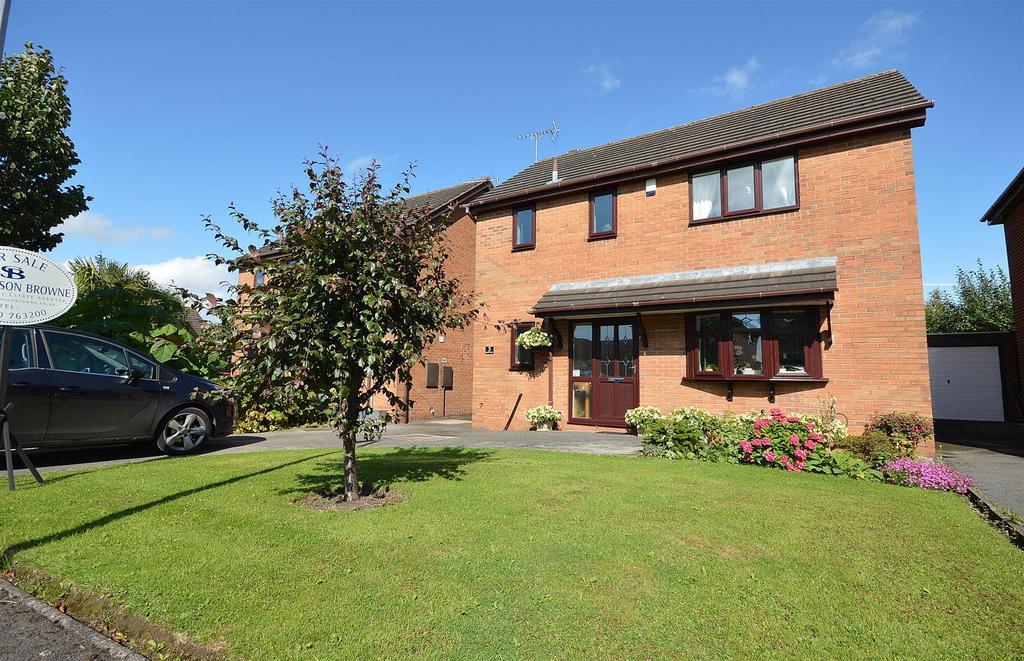 3 Bedrooms Detached House for sale in Boulton Close, Malkins Bank