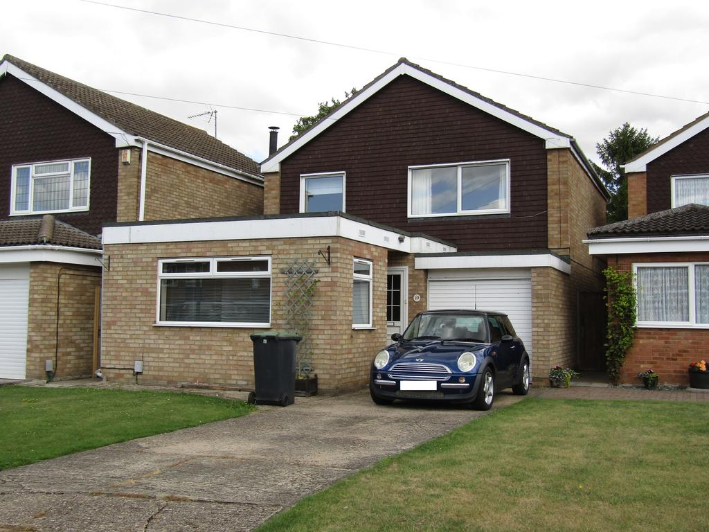 4 Bedrooms Detached House for rent in Coppice Mead, Stotfold SG5