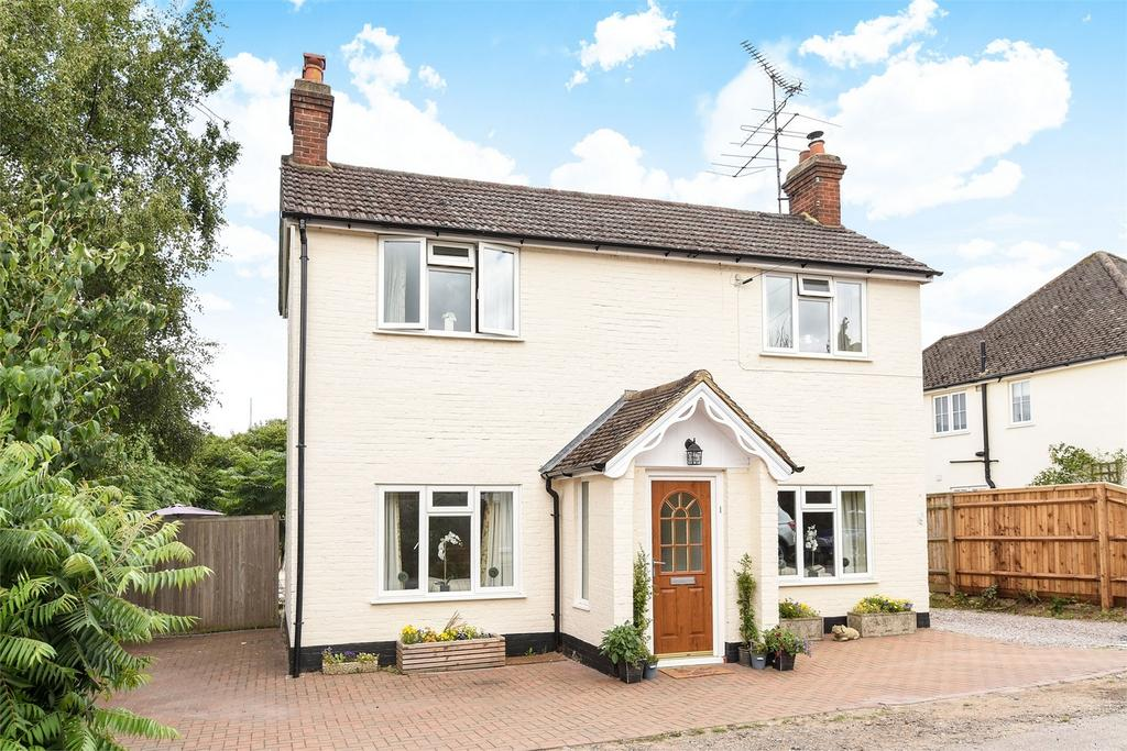 5 Bedrooms Detached House for sale in South Farnham, Surrey