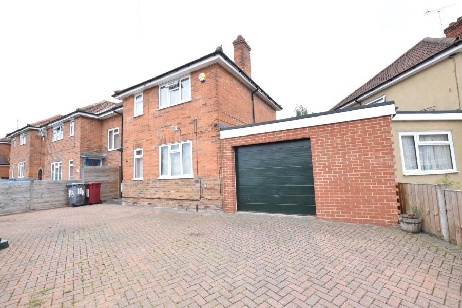 3 Bedrooms Semi Detached House for sale in Ashburton Road