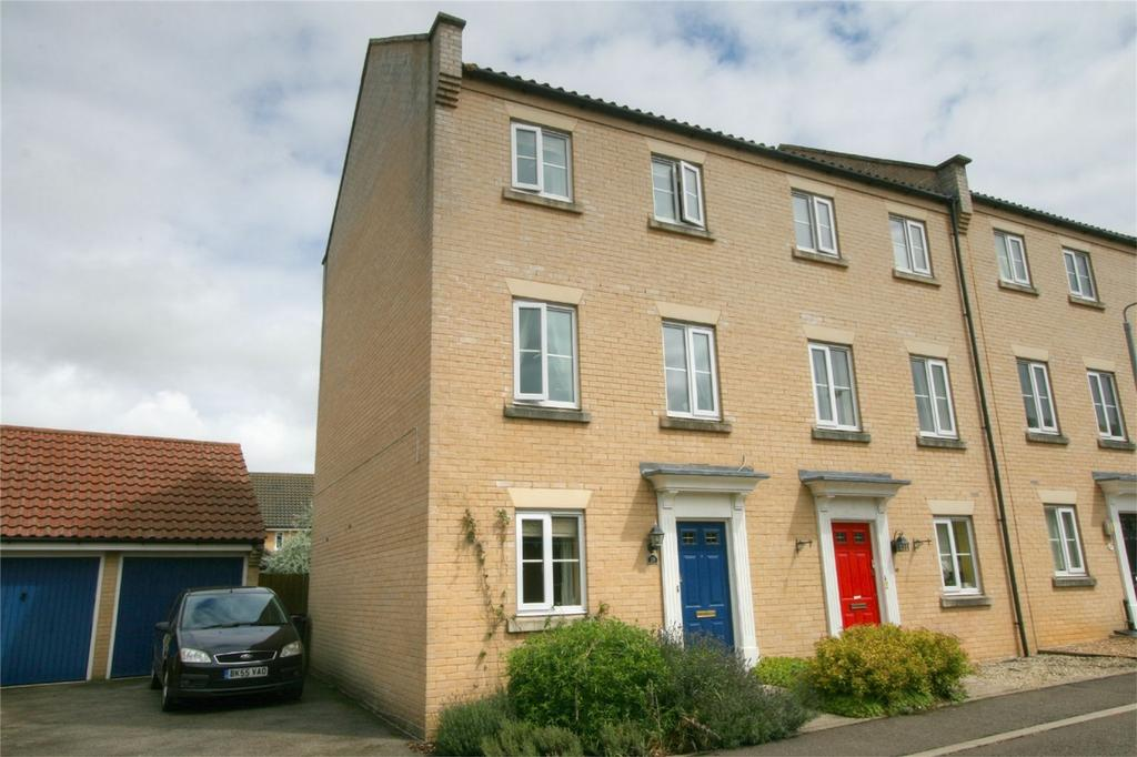 3 Bedrooms End Of Terrace House for sale in Tummel Way, NR17 2SG, Attleborough, ATTLEBOROUGH, Norfolk