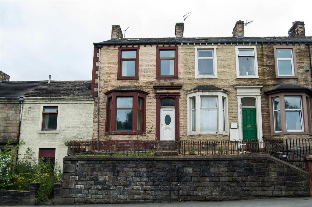 4 Bedrooms Terraced House for sale in Westgate, Burnley