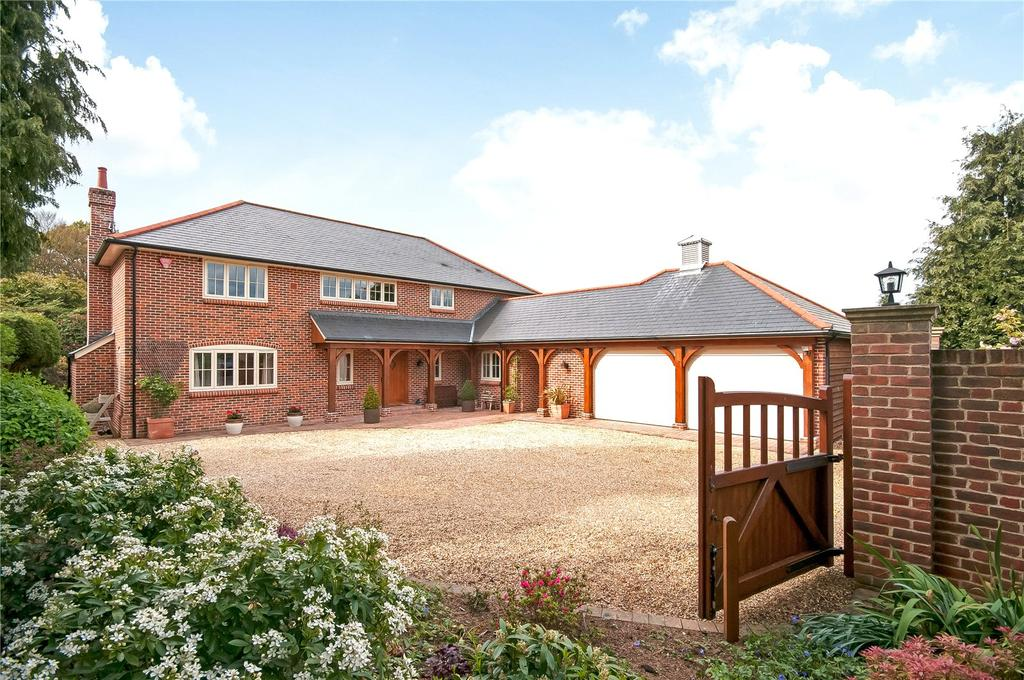 4 Bedrooms Detached House for sale in Hamdown Crescent, East Wellow, Romsey, Hampshire, SO51