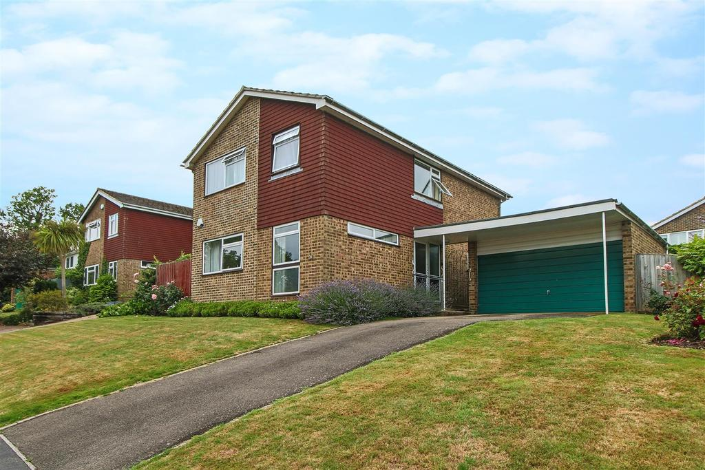 4 Bedrooms Detached House for sale in Greenhill Way, Haywards Heath