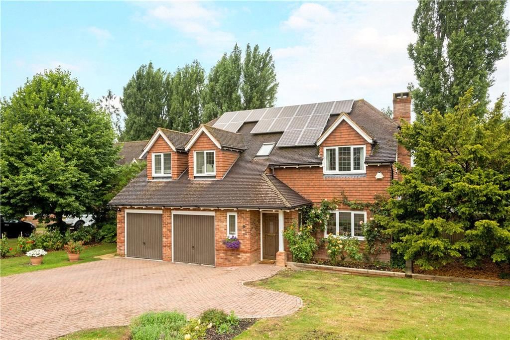 5 Bedrooms Detached House for sale in Ferngrove Close, Fetcham, Leatherhead, Surrey, KT22