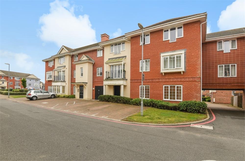 1 Bedroom Flat for sale in Highbridge House, 14 Wren Lane, Ruislip, Greater London