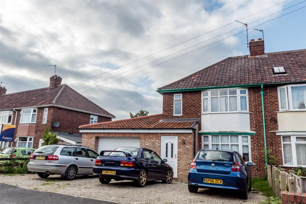 3 Bedrooms Semi Detached House for sale in Clive Grove, Holgate, YORK